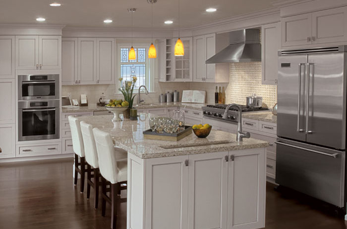 part of what separates transitional kitchens from contemporary ones is that they allow for just a hint of decorative ornamentation - Transitional Kitchen Design